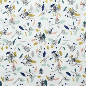 Tissu nicci fleurs et pétales sur fond blanc
