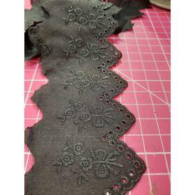 Broderie anglaise bouquets/noeud  100%coton 54mm noir